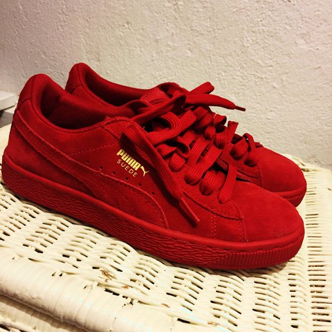 d47f6ab93c9866 Suede Boys Pumas. Size 5.5 in Boys. Worn twice! Don t know