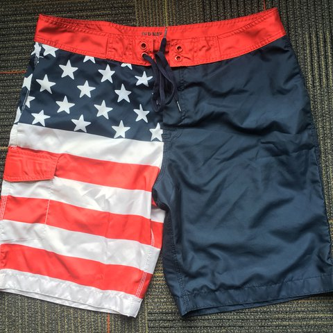 f12ace216b @aliadeles. last year. Portland, United States. HOLDING FOR @itsnotjc.  NEVER WORN Old Navy American flag swim trunks!