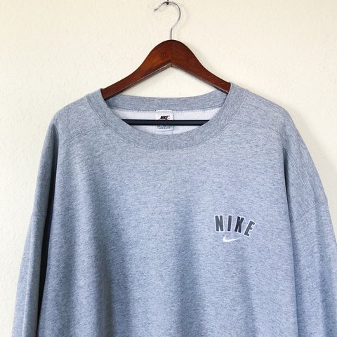 b45124d3 Vintage Embroidered 90s Nike Crewneck Sweatshirt || Men's - Depop