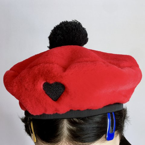 80d7432b37390 MY HEAVENLY FAUX FUR BERET 💋 By  The 1   Only Lazy Oaf 🖤 u - Depop
