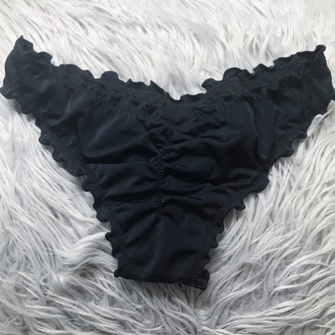 d609e94f9bada Black cheeky bathing suit bottoms 🍌 scrunched in the back a - Depop