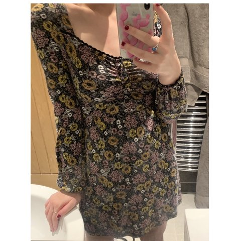 f60799ebb5d Topshop floral tea dress   mini dress Only ever worn once so - Depop