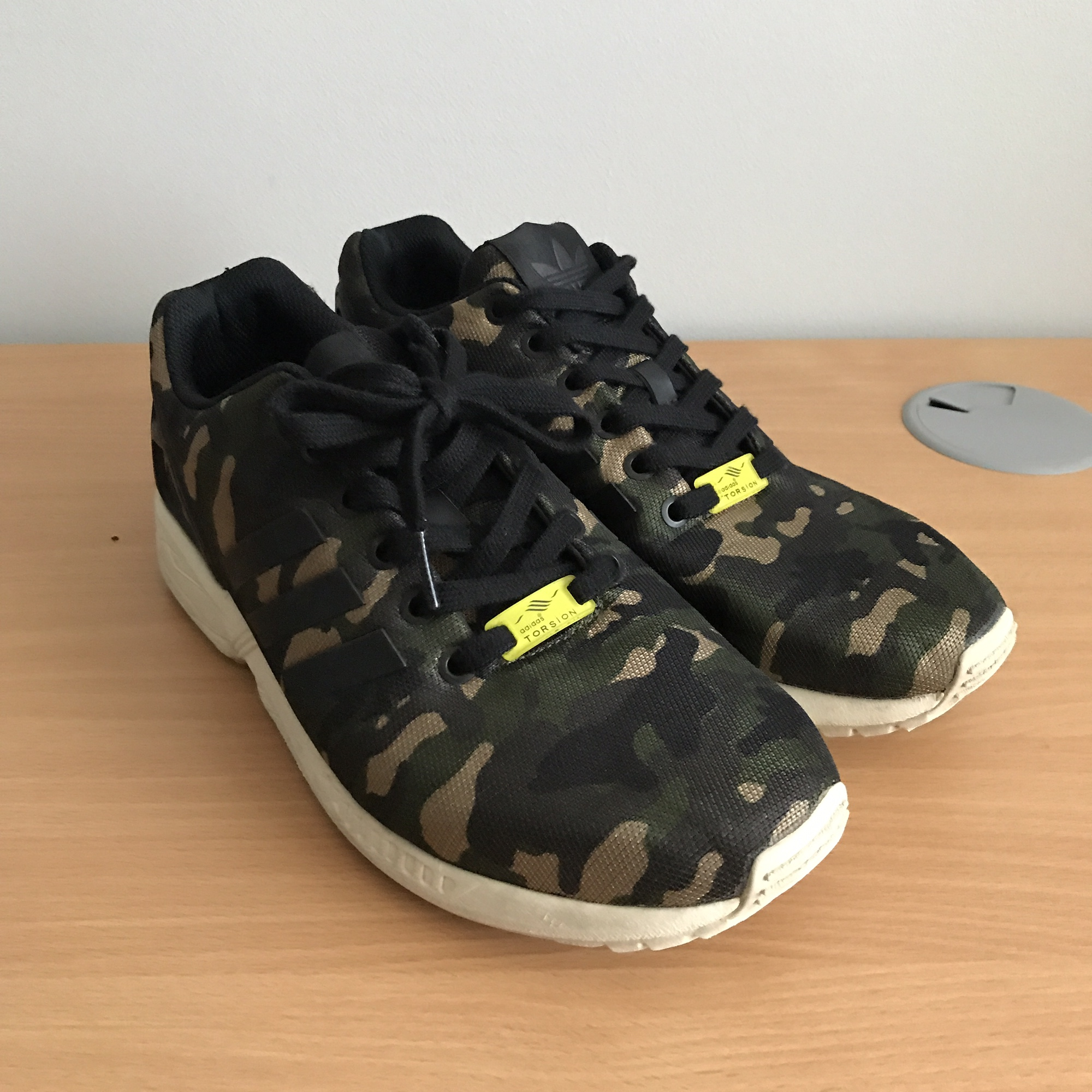 purchase cheap a2dbc 09967 Adidas zx flux camo, generally good condition over... - Depop