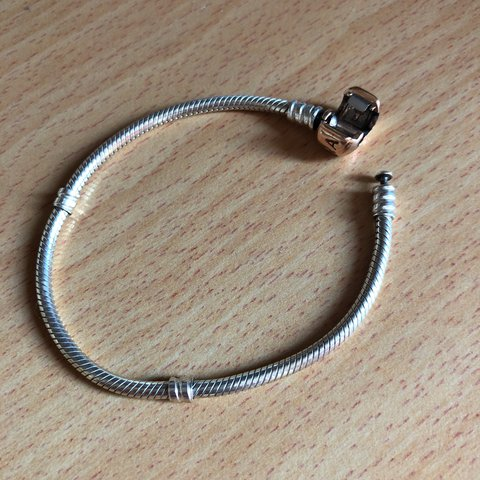 67f0756ca @issharben. last year. Plymouth, United Kingdom. Genuine Pandora Moments Silver  Bracelet with Rose Gold Clasp - 17cm - beautiful just got ...