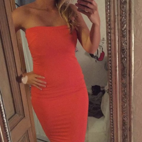 Rode Strapless Jurk.Oranje Rode Strapless Jurk Van Super Trash L Maat Xs S Is Depop