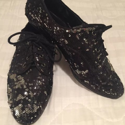 952b456818ae Forever 21 Black and Silver Sequin Oxfords Size 7 - You are - Depop