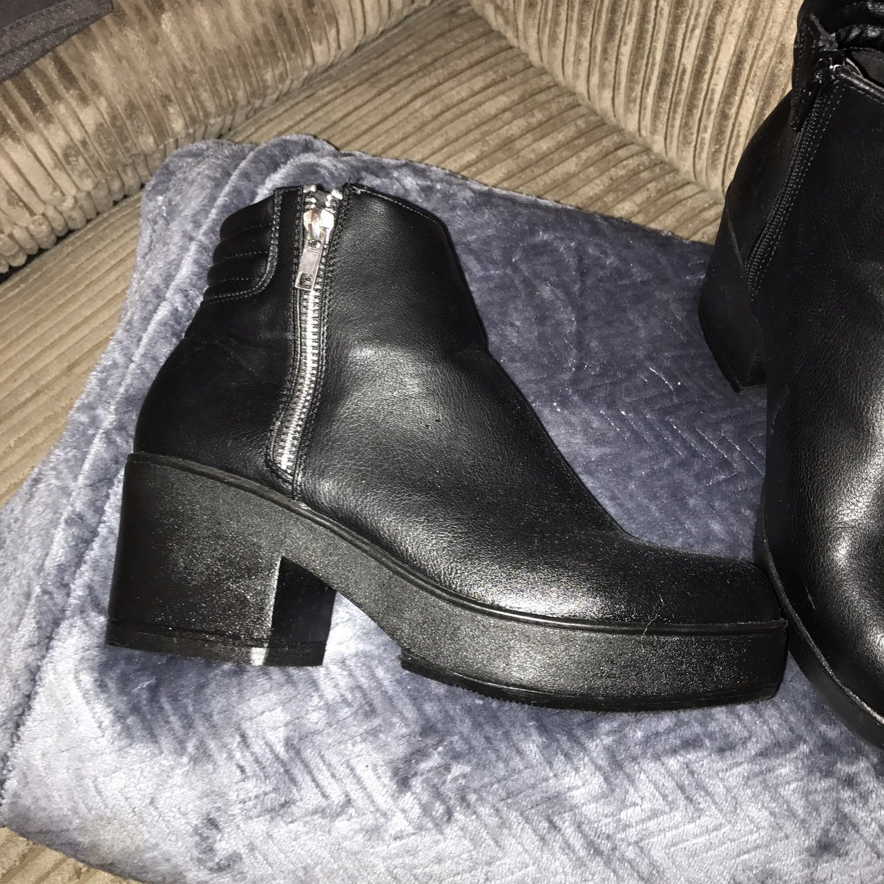 1a70551f8004 Black ankle boots size 5