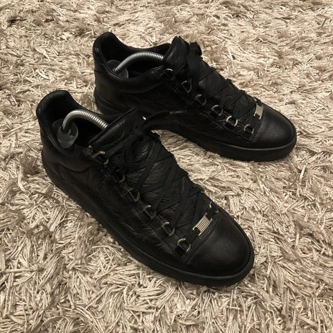 cb26c0a052680  lr88. 4 months ago. United Kingdom. Balenciaga arena black leather ...