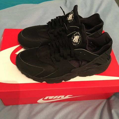 cbddad37a8 Black Huaraches 7 10 condition