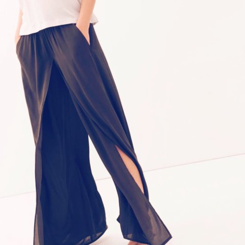 c8a35509 @owlbabyo_o. 4 years ago. London, UK. ZARA Layered Navy Wide Leg Palazzo  Trousers/Maxi Skirt Combo - Brand New ...