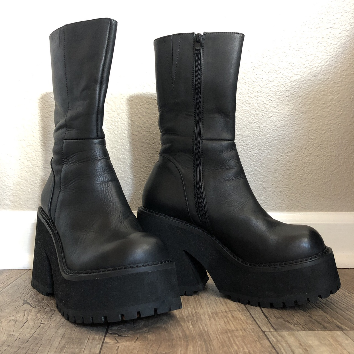 UNIF Parker platform boots with chunky