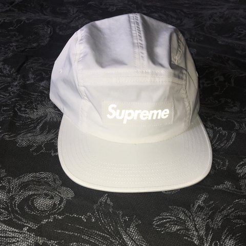 67788f73a47 Supreme 5 panel 3m printed world famous never worn! (ignore - Depop