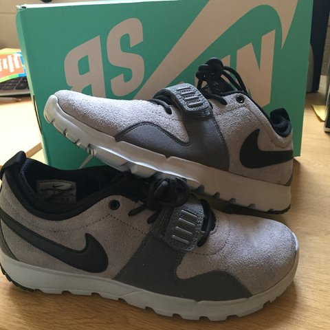 buy popular fb4e3 ac4e1 Brand new Nike SB Trainerendor- 0