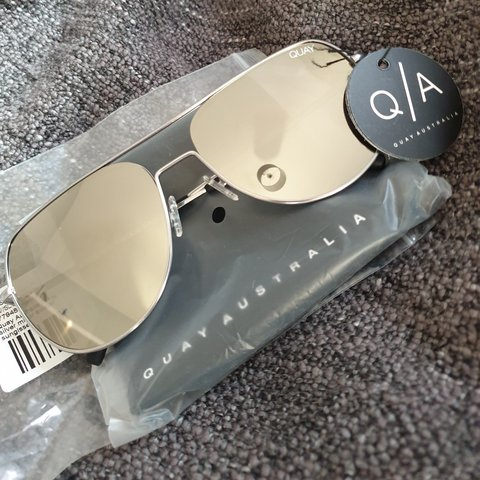 acbddd1332 New QUAY Australia living large silver mirror aviator Unused - Depop