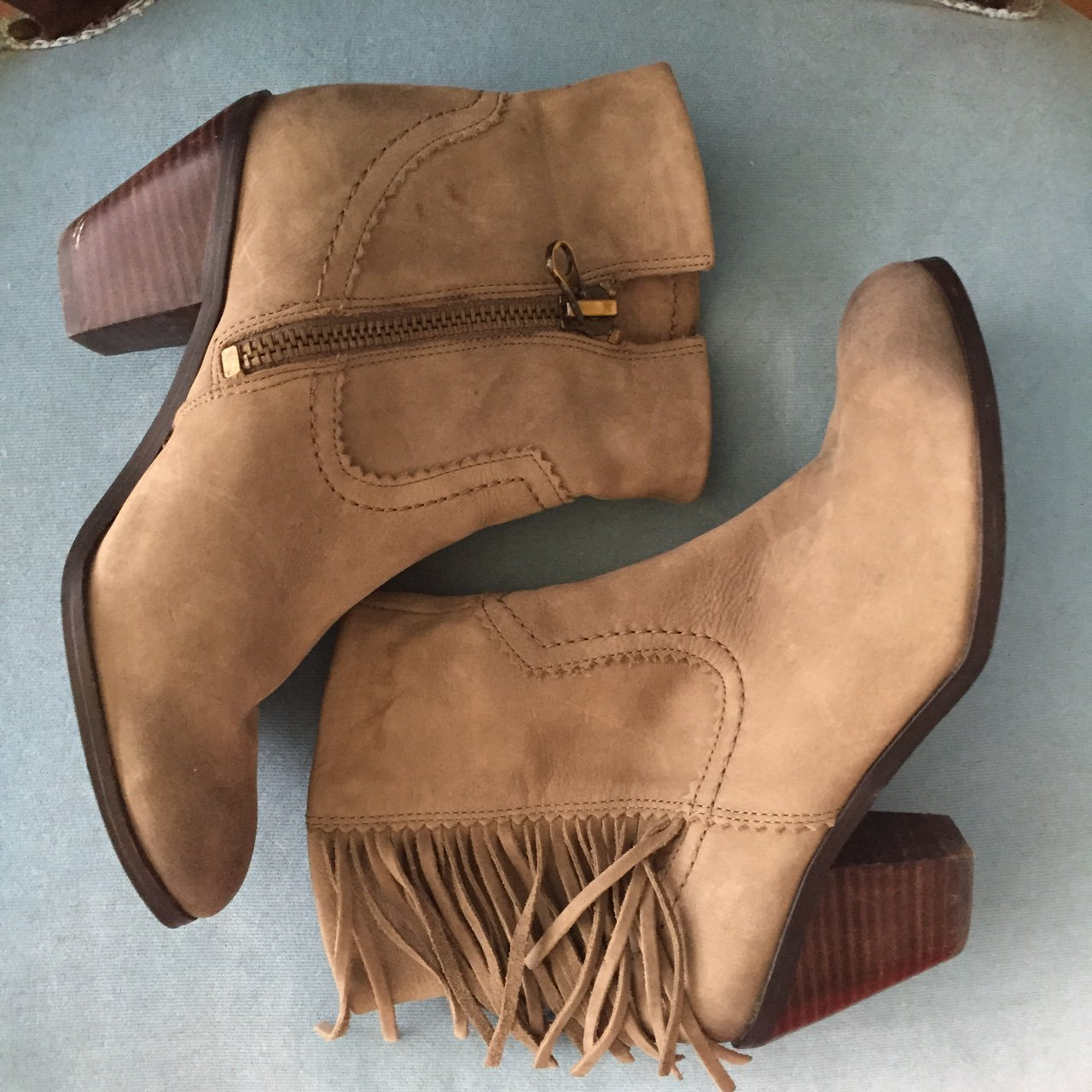 31caec1eede4 Sam Edelman fringe ankle boots. Great condition. Only worn a - Depop