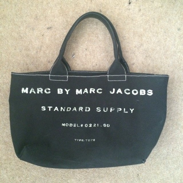 7ae7767126c8 FREE SHIPPING  MARC BY MARC JACOBS Canvas TOTE Bag. - Depop