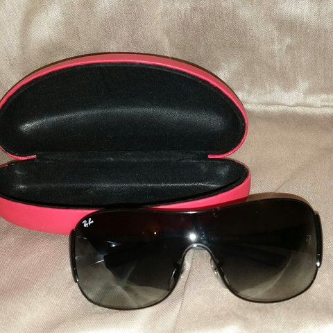 32c896b3fe Ray Ban Sunglasses Worn three times