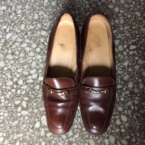 7e77e39d740 Additional photos of vintage Gucci leather heeled loafers to - Depop