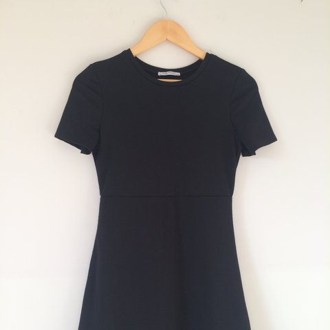 fb4ab4d7a52c Zara basic black fitted t-shirt dress and white and black p - Depop