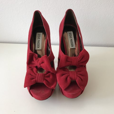 d1ca452595 @gina4. 6 months ago. Costa Mesa, United States. Steve Madden red double  bow peep toe pumps in suede. Heel ...