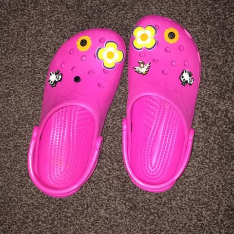 771a81a1b  liz58. 4 years ago. United Kingdom. Pink crocs with removable badges! Only  worn a handful ...