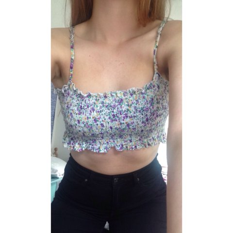 3107c65aa1817d Cute floral cropped top• Spaghetti straps that are Really so - Depop