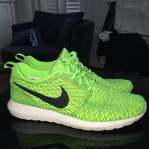 86fc772efc8e ORIGINAL NIKE ROSHE RUN FLYKNIT VOLT BLACK USED NOW AND BUT - Depop