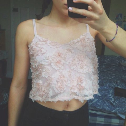 9ac13678ddc19 Price drop! Topshop baby pink 3D flower crop top. Petite 8 6 - Depop