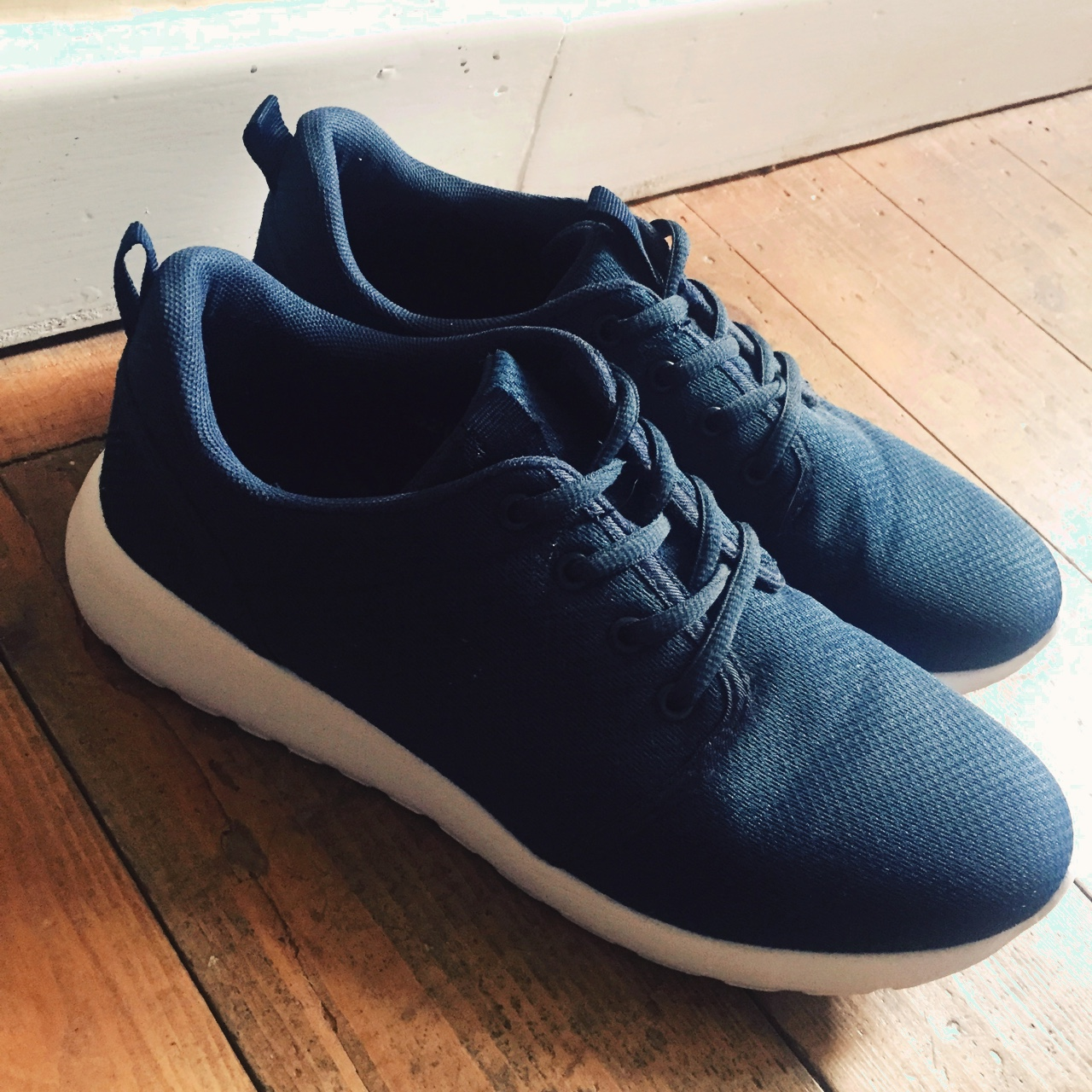 DEK Superlight navy trainer shoes with