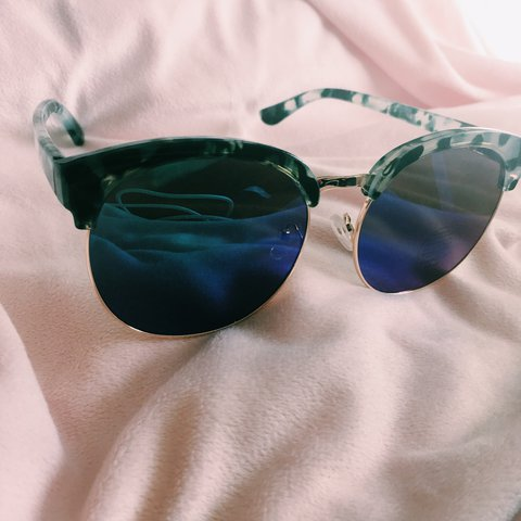 bf84656e0 Really cute, reflective sunglasses! They are huge, so diva - Depop