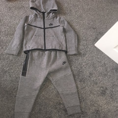 best cheap 59835 9c3f5  emmamckeemanx. 2 years ago. Glasgow, United Kingdom. Boys grey Nike  jogging suit ...