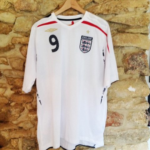 bc951ac9c5c Official England 2007-2009 Umbro Rooney Football great with - Depop