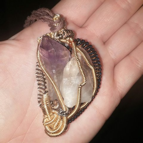 online store 6ac90 c21a9 Wire wrapped pendant with giant- 0