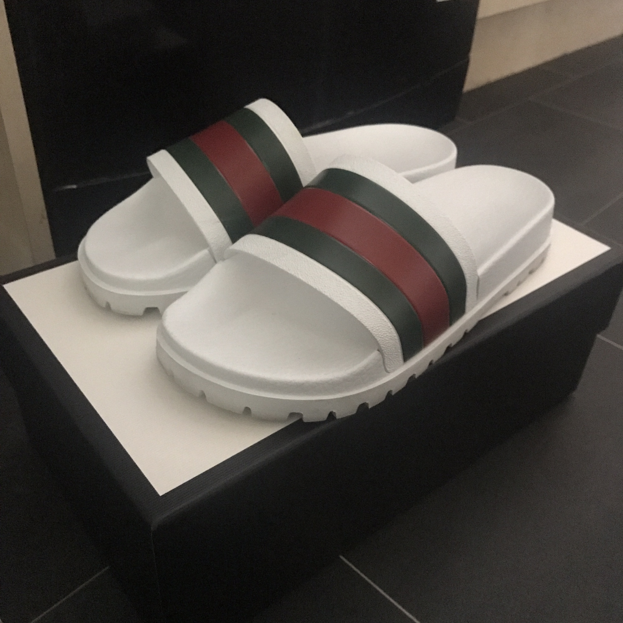 b6c36b960 kash_kicks. Birmingham, UK. White Gucci web slide sandal ...