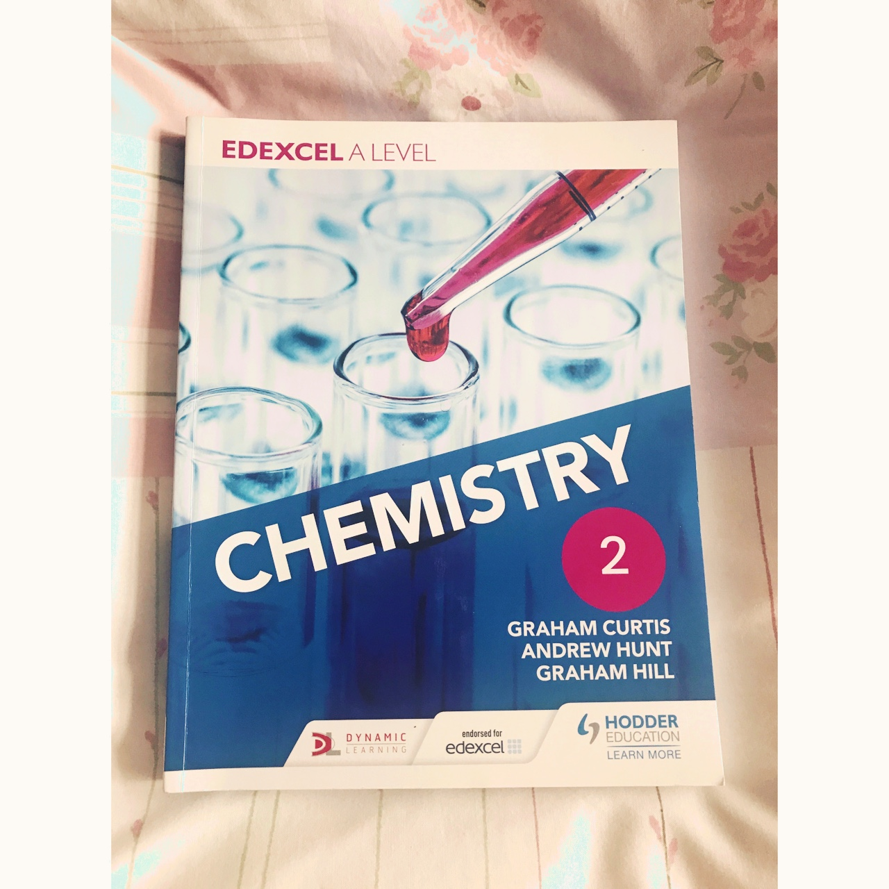 Best chemistry textbook for year 2 NEW A LEVELS Exam    - Depop