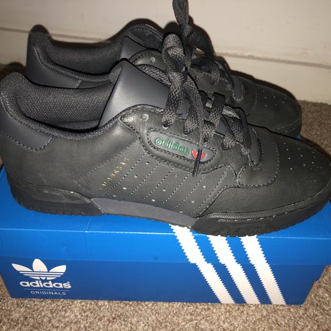 Adidas Yeezy Powerphase size UK- 0 a376fa5d5