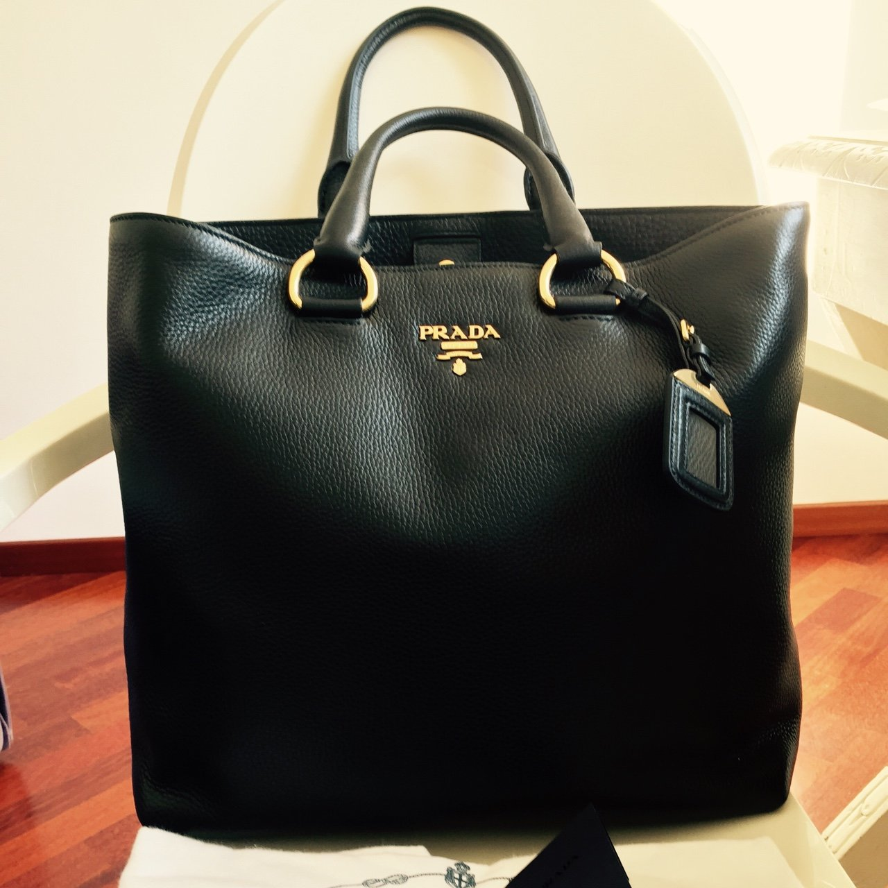 be5a19287a Shopping Bag Prada Black Leather New Borsa Tracolla In pelle - Depop
