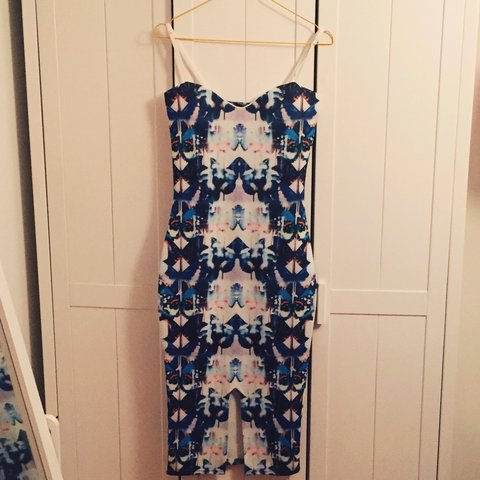 8f2ad5c2b5ee Blue patterned midi dress size 10.. Stretchy material