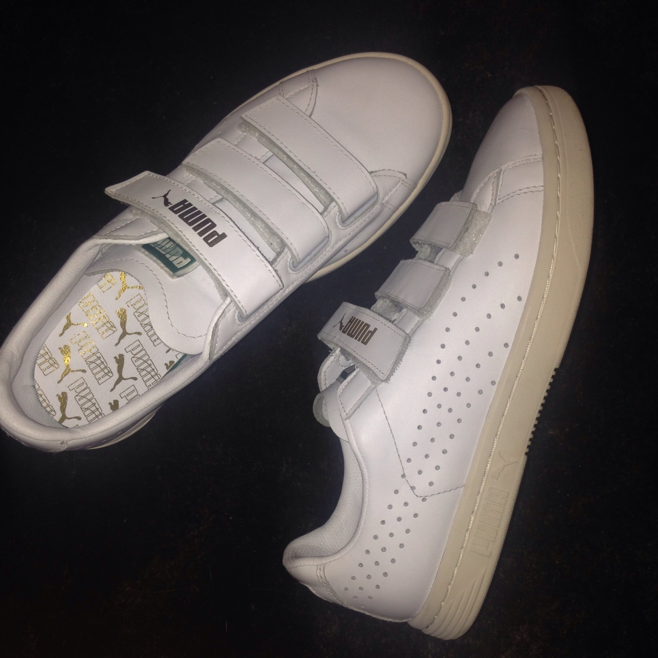 competitive price ca698 dc86e Puma Court Star Velcro - Depop
