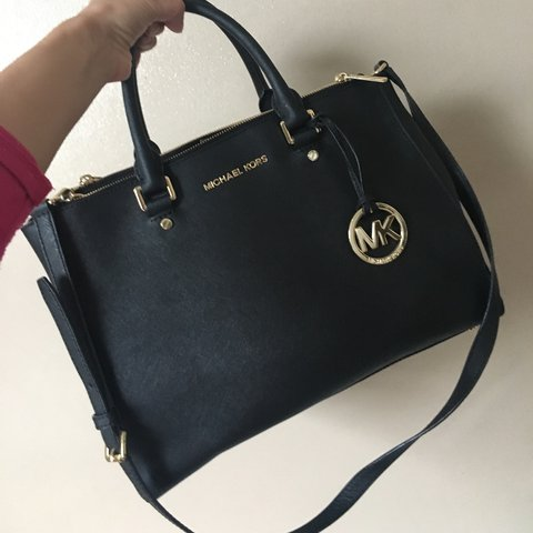 b1e9e8407d4cba @alimabegum. 2 years ago. Oldham, United Kingdom. GENUINE MICHAEL KORS Bag  - in really good condition! No rips ...