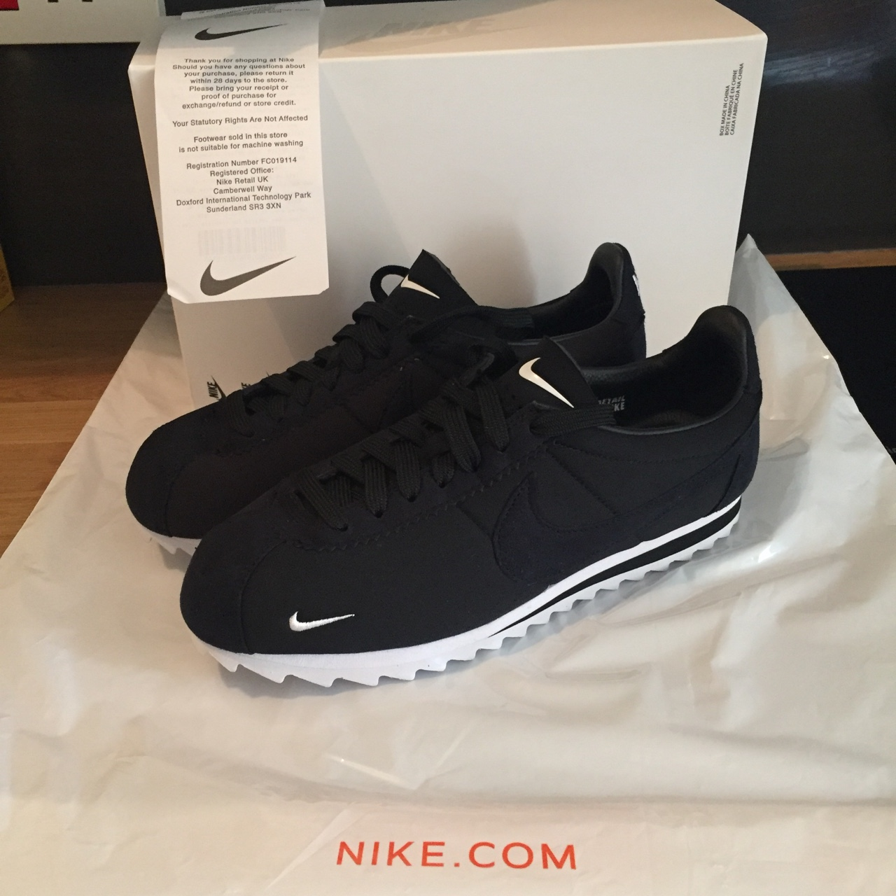 brand new feecb a5585 Nike Classic Cortez Shark Low SP ⚫️⚫️ brand new, never ...