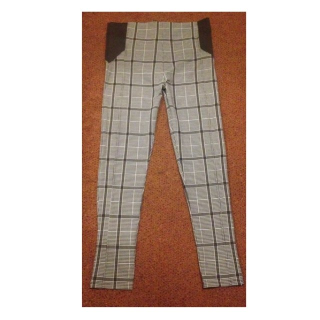 fa55f9a4454e24 Brand new chequered black and white treggings/leggings from - Depop