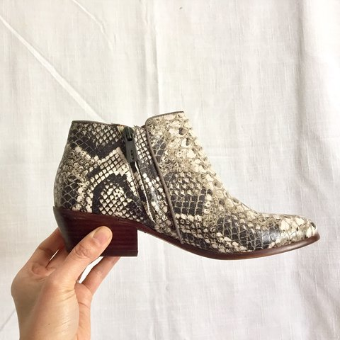 43cfb38b4 Sam Edelman Petty snake print python ankle boots Gently very - Depop