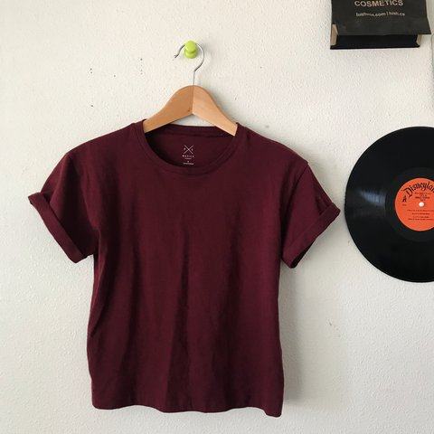 cfca3b47251168 pacsun - maroon cropped tee shirt with rolled up sleeves! a - Depop