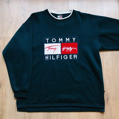 1d583e475a5 Personal collection ✓ Tommy Hilfiger vintage sweatshirt. M - Depop