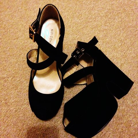 5f7bdcc9fe6 Boohoo chunky high heels, size 3. Never worn, bought for all - Depop