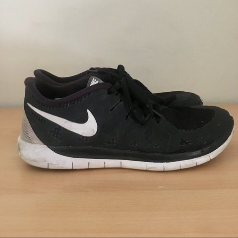 d3a6d8ff82c2 Nike free run 5.0  REDUCED  Size 5.5 Good but used - Depop
