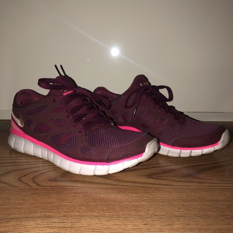 a357dec894d3 REDUCED!!!!!! NIKE free run 2   SIZE 5.5    burgundy and    - Depop