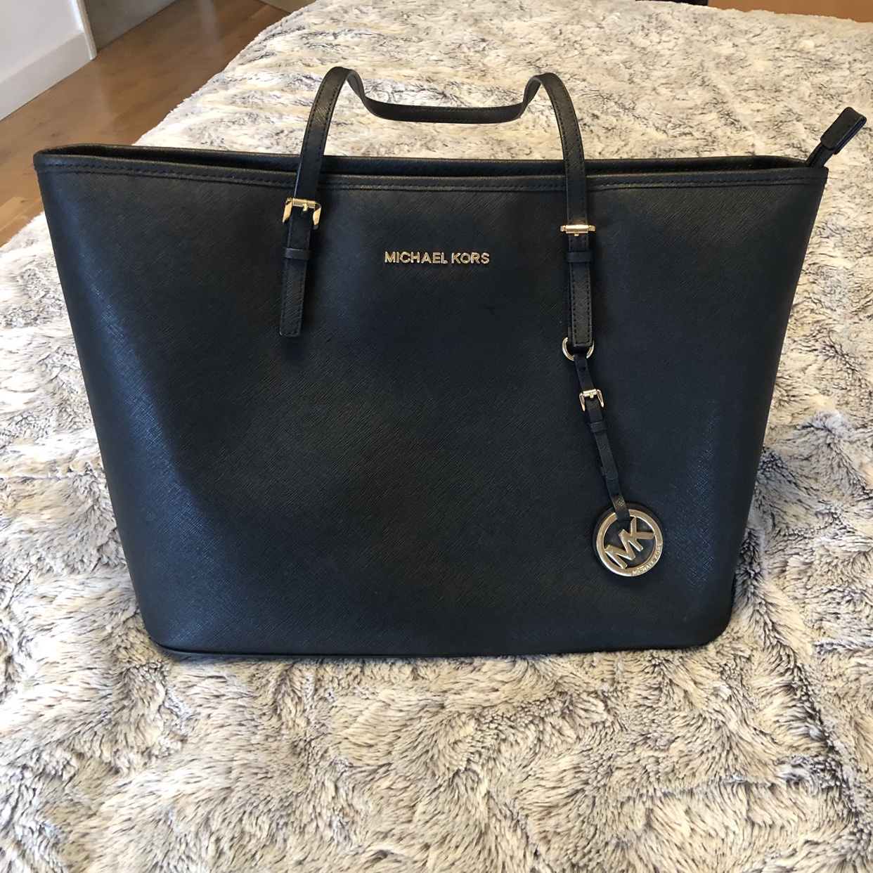 Michael Kors black tote bag second hand 44x26cm Depop