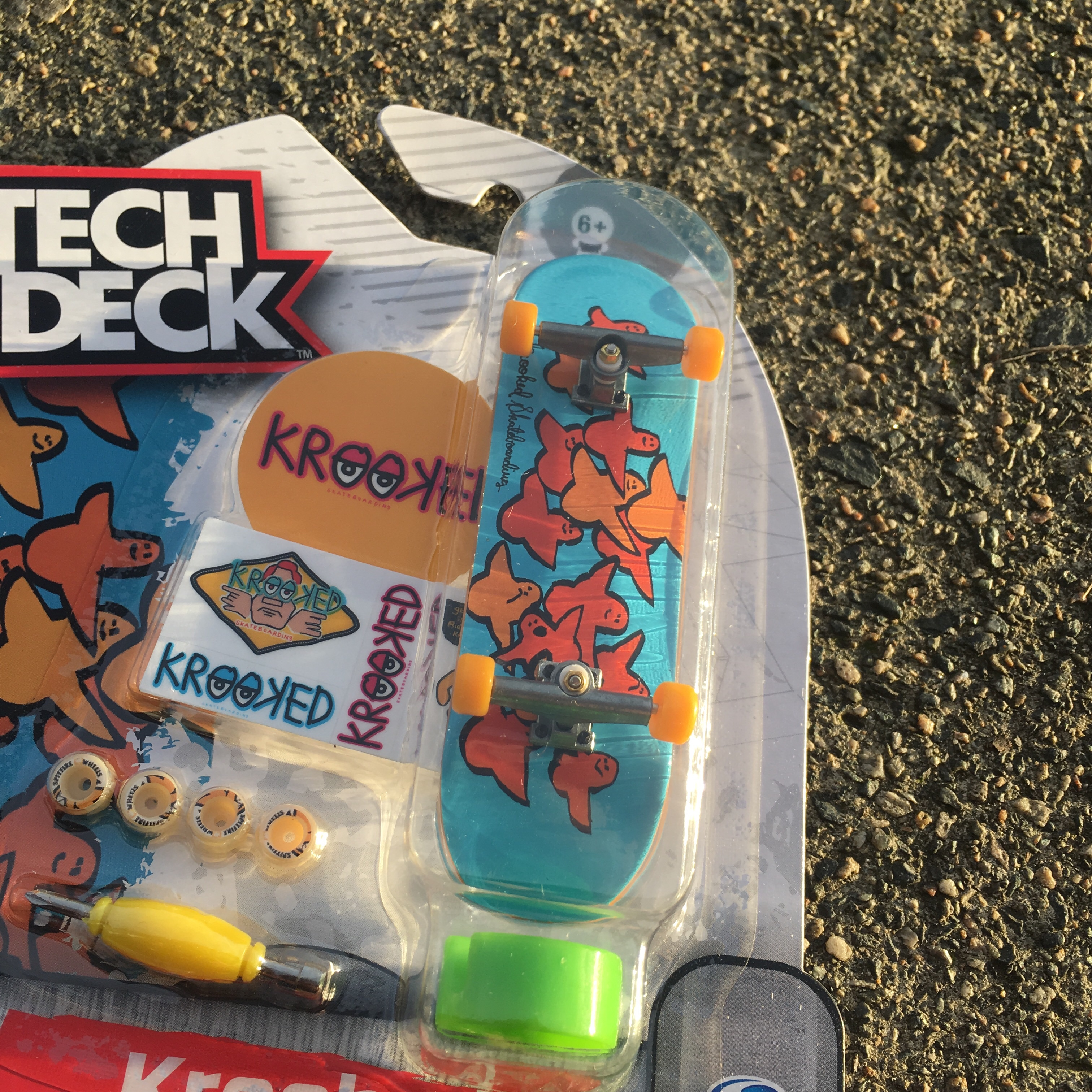 Tech Deck Series 8 Finger Board  Krooked Gonz    - Depop